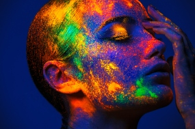Woman-with-Neon-Makeup-powder-491380080_3869x2579.jpg